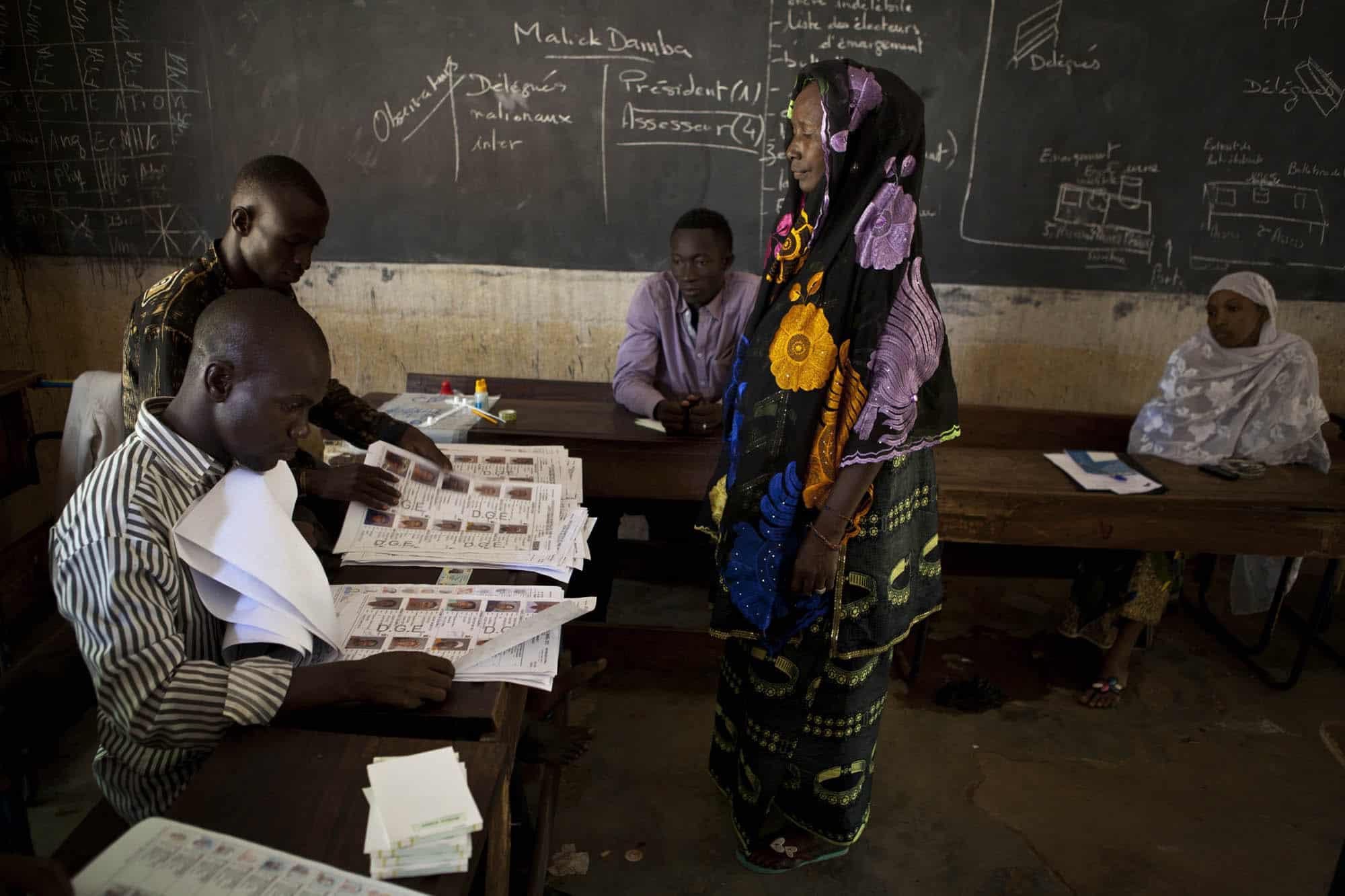 Alors que quelque 6.5 millions d'électeurs étaient appelés aux urnes, les élections législatives n'auront finalement que très peu mobilisé, alors que la participation avait atteint 50% cet été pour les présidentielles. Des incidents au Nord du Mali Alors que les élections se sont globalement déroulées dans le calme, des incidents ont cependant été constatés dans […]