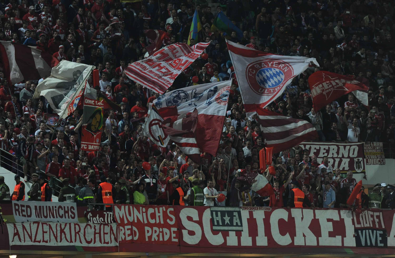 Si le football allemand est montré en exemple pour ses résultats sportifs, il y subsiste cependant certaines zones d'ombres dont il a du mal à se défaire. La problématique du hooliganisme reste très présente outre-Rhin et il n'est pas rare de voir des incidents émailler les rencontres de Bundesliga. Une juge allemande vient de trouver […]