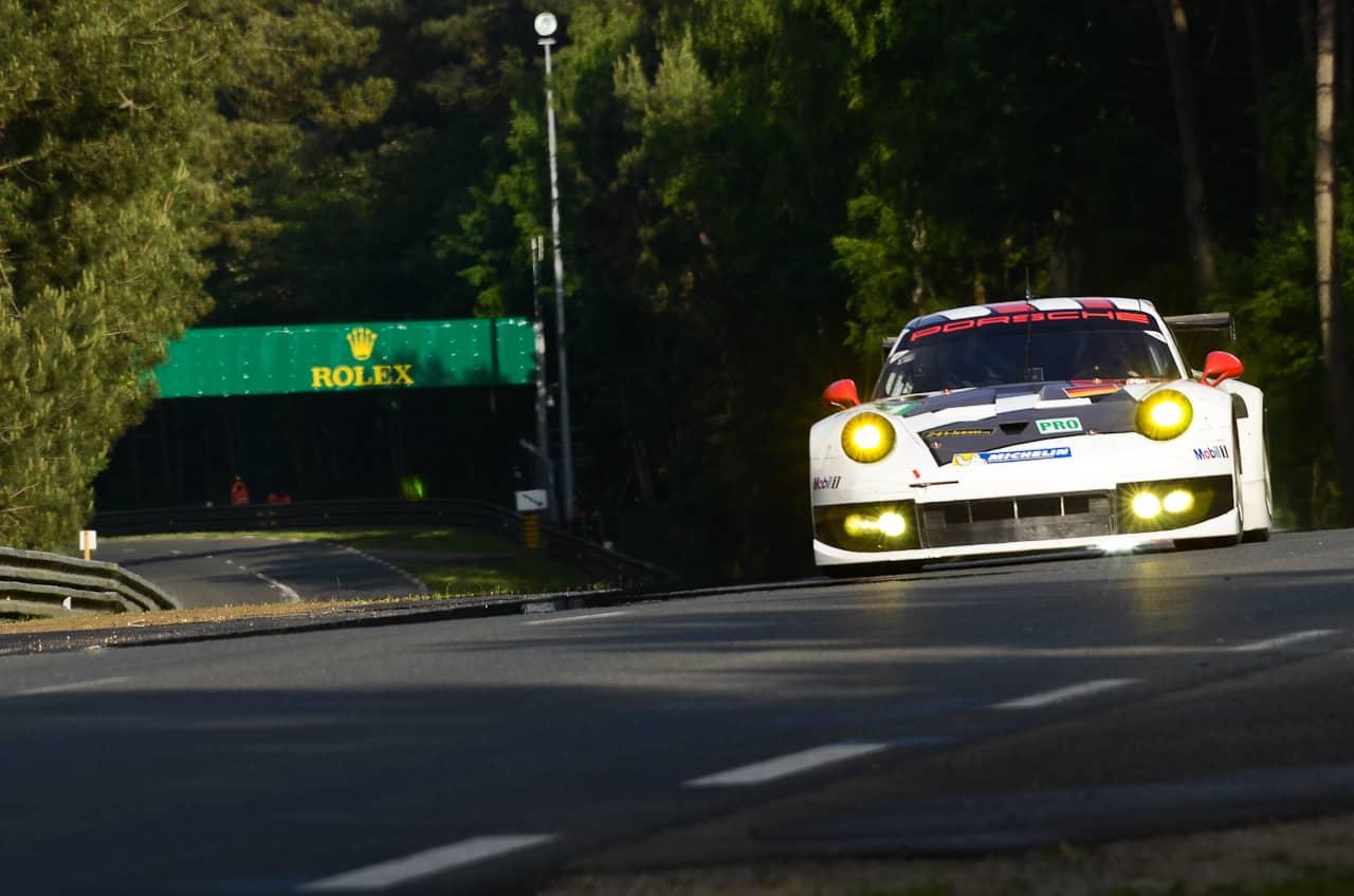 Les faits se sont déroulés vendredi aux alentours de 15h00 sur l'A63. Alors qu'il se dirigeait vers Hendaye (Pyrénées-Atlantiques), un officier de gendarmerie s'est vu doublé par cinq véhicules roulant à grande vitesse. Les bolides comprenaient deux Porsche ainsi qu'une Lamborghini cabriolet de couleur blanche. Le policier prévient alors le centre opérationnel le plus proche, […]