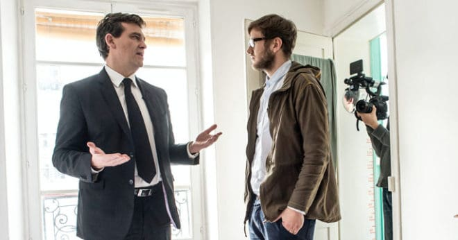 """Benjamin Carle et Arnaud Montebourg dans le documentaire """"Made in France"""""""