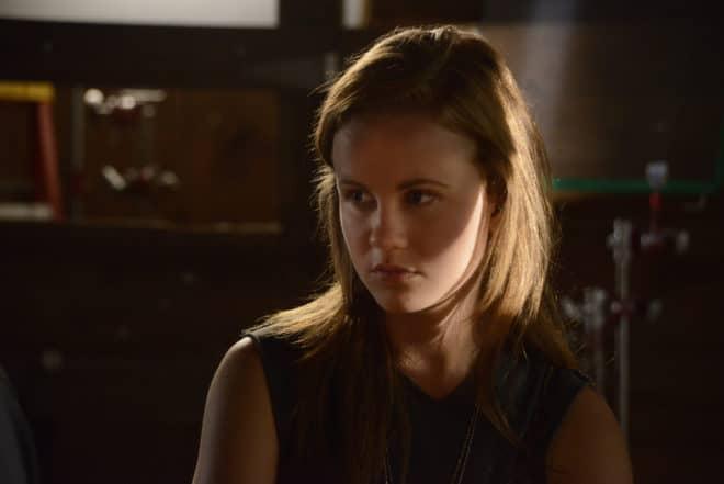 L'actrice Mackenzie Lintz dans la série Under the Dome