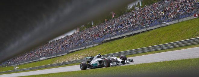 Mercedes s'impose en Autriche