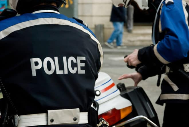 Un motard de la Police Nationale