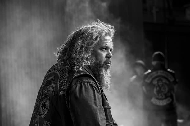 Mark Boone Junior (Bobby)