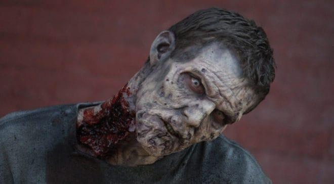 Un zombie de la saison 5 de The Walking Dead