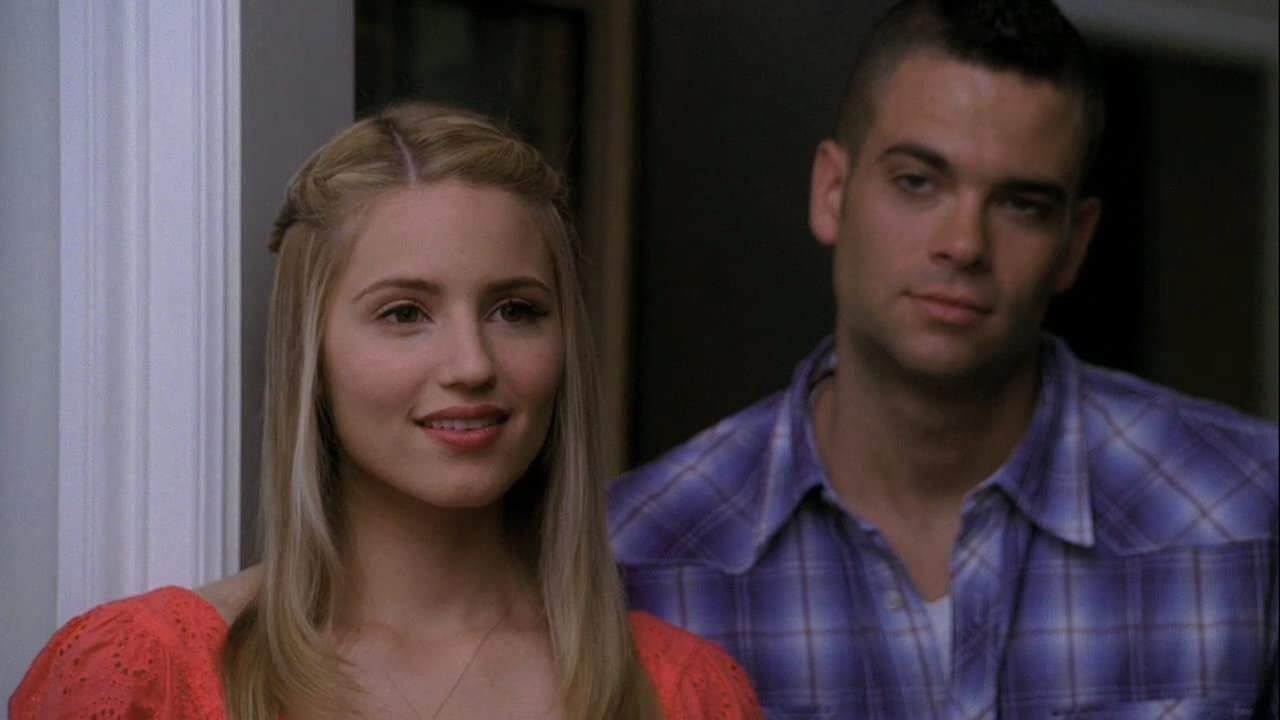 Dianna Agron et Mark Salling dans la série Glee
