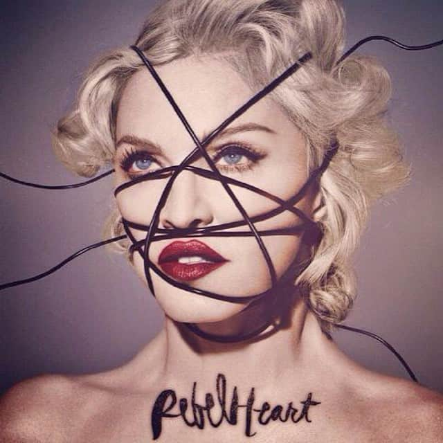 "Madonna sur la pochette de son album ""Rebel Heart"""