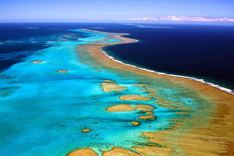 Photo prise le 13 juin 2006 de la barrière de corail de Nouvelle-Calédonie, l'une des plus vastes au monde