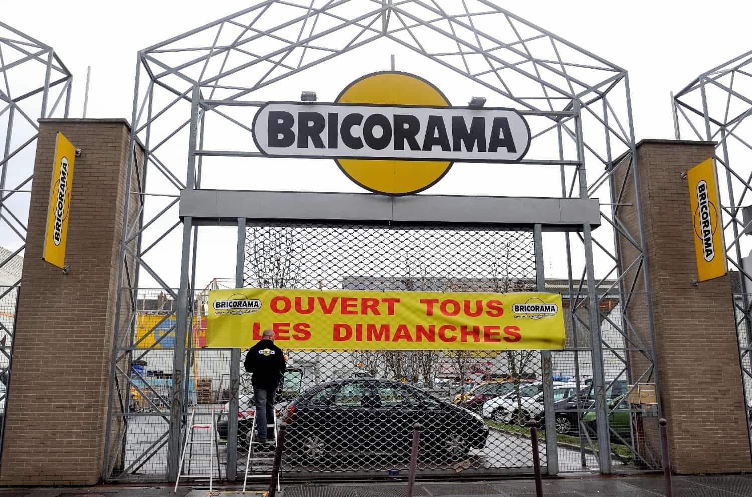mr bricolage refuse bricorama les 156 millions d 39 euros pour son acquisition. Black Bedroom Furniture Sets. Home Design Ideas