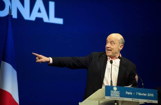 Alain Juppé s'exprime le 7 février 2015 lors du conseil national de l'UMP à Paris