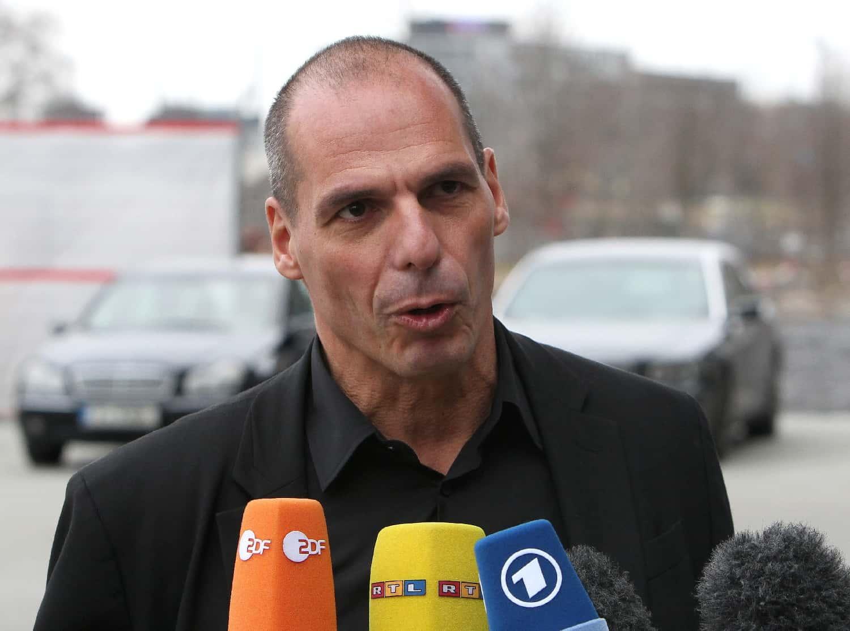Yanis Varoufakis, le ministre des Finances grec à la sortie de la Banque centrale européenne (BCE), à Francfort, le 4 février 2015