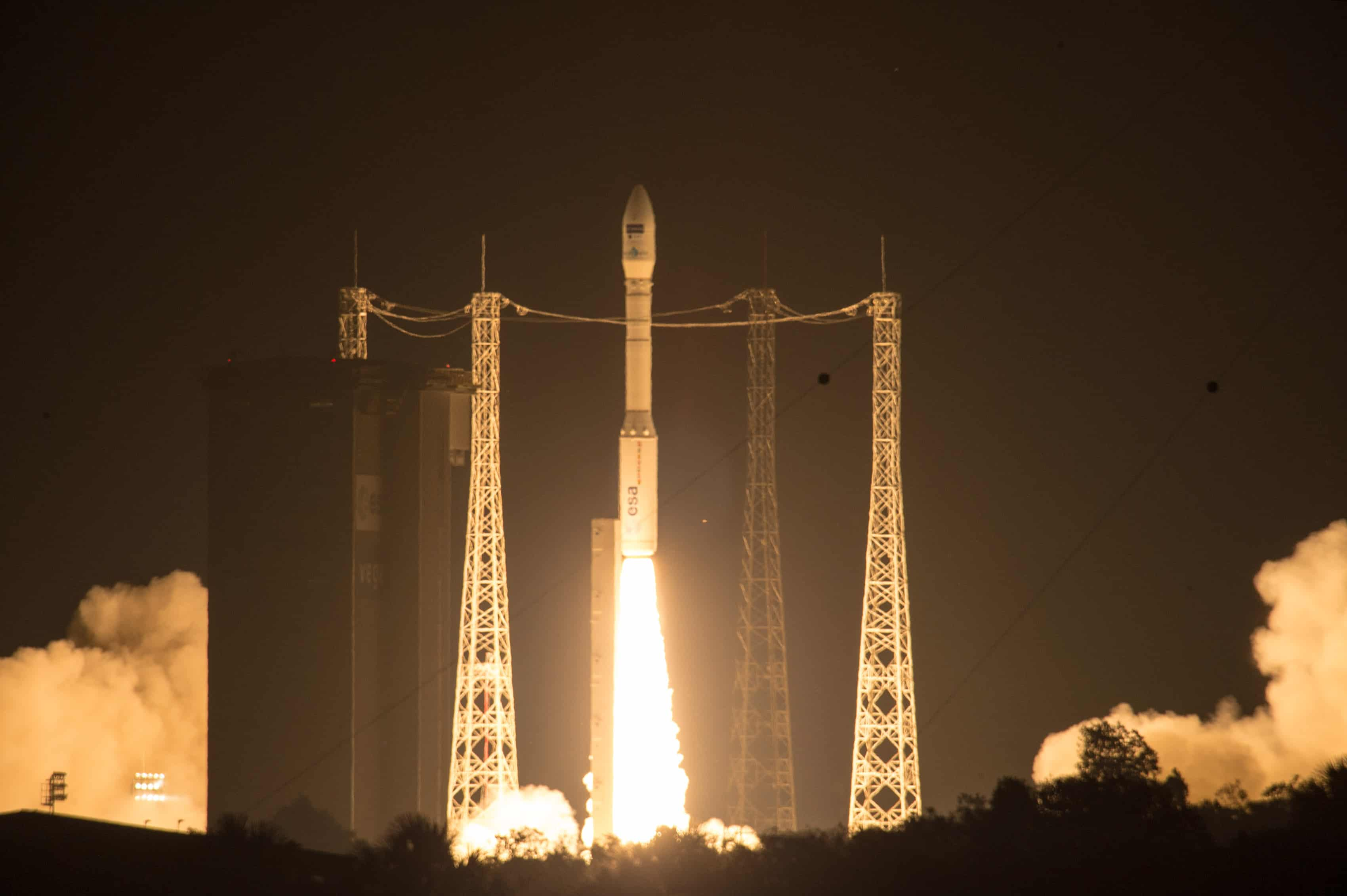 Le lanceur Vega portant le satellite Sentinel-2A, le 22 juin 2015.