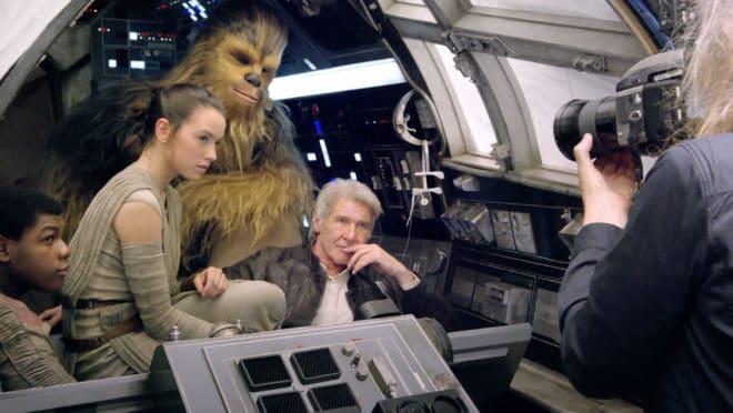 Une photo prise sur le tournage de Star 7 - Le réveil de la Force