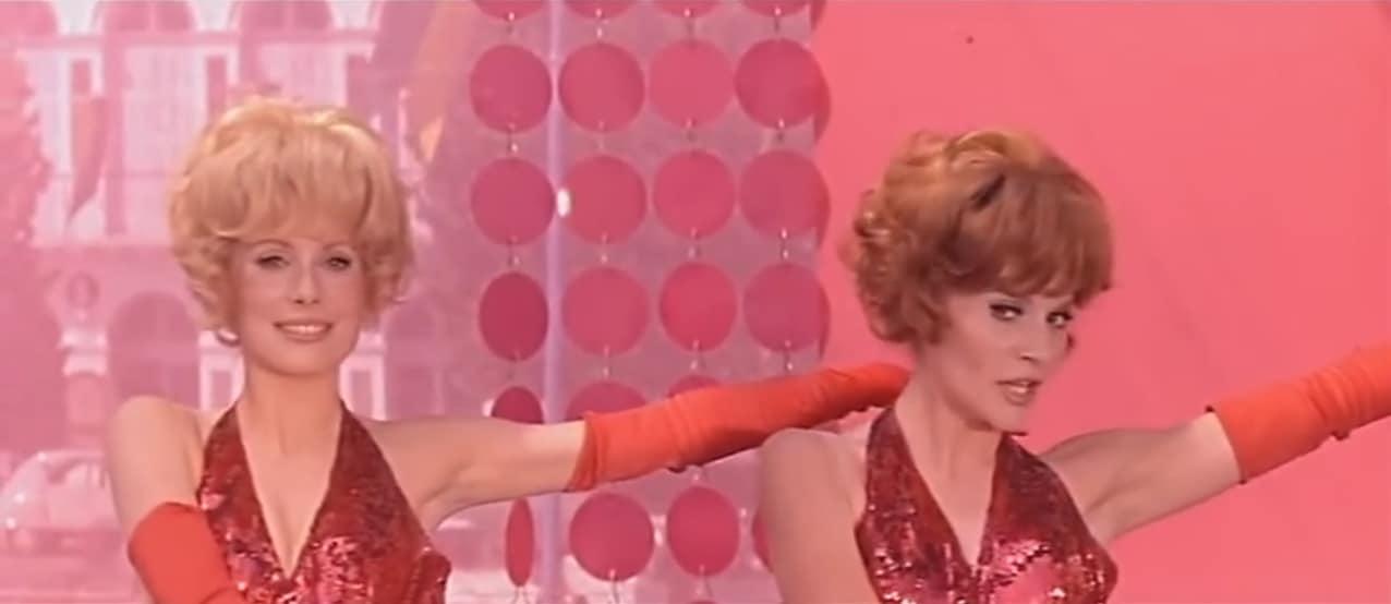 "Catherine Deneuve et Françoise Dorléac dans ""Les Demoiselles de Rochefort"""