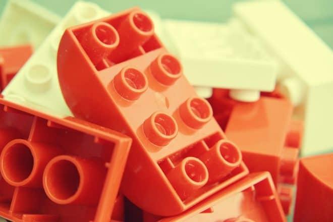 Université cherche prof de LEGO à 8000€ par mois