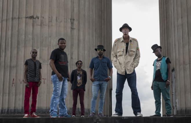 Jupiter Bonkodji, figure majeure de la musique Congolaise sort un nouvel album, Kin Sonic, construit autour de belles collaborations, dont Damon Albarn (Blur) ou Warren Ellis, fidèle de Nick Cave et des Bad Seeds. Quand Damon Albarn, devenu un des experts les plus pointus de la musique urbaine africaine, apparait dans un titre de Jupiter […]