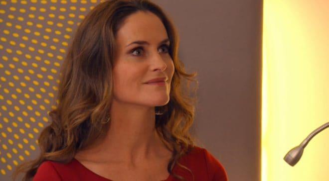 """Ingrid (Les Mystères de l'Amour saison 14, épisode 14 """"Lorsque maman paraît"""")"""