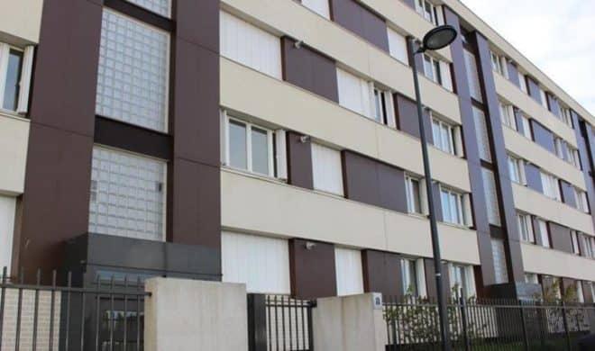 Un immeuble de la cité clos des Roses à Compiègne.