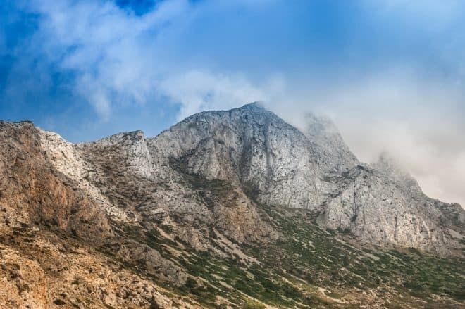 Montagnes en Crète. Image d'illustration.