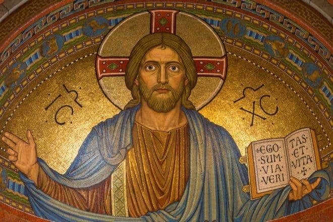 Nantes : des policiers interpellent Jésus-Christ
