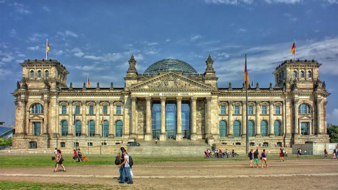 Des touristes chinois arrêtés à Berlin pour des saluts nazis
