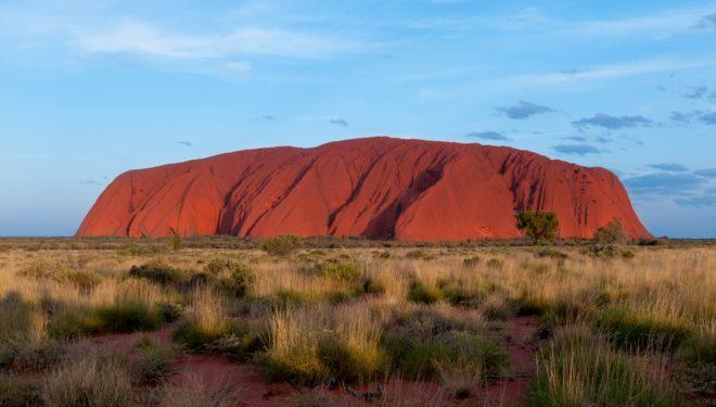 Les touristes ne pourront plus grimper sur le Mont Uluru — Australie