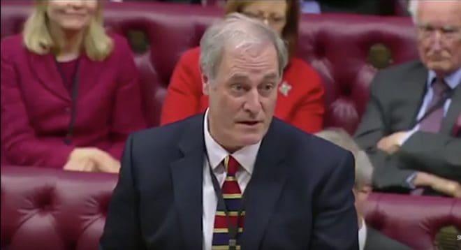 Lord Michael Bates, ministre du Développement international en février 2018