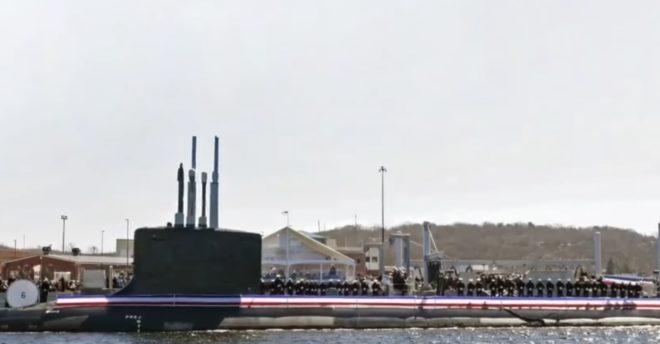 Le sous-marin USS Colorado le jour de sa mise en service