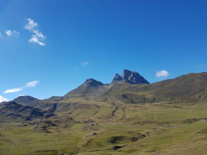 Pic du midi d'Ossau, dans les Pyrénées. Image d'illustration