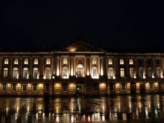 Place du Capitole à Toulouse. Image d'illustration.