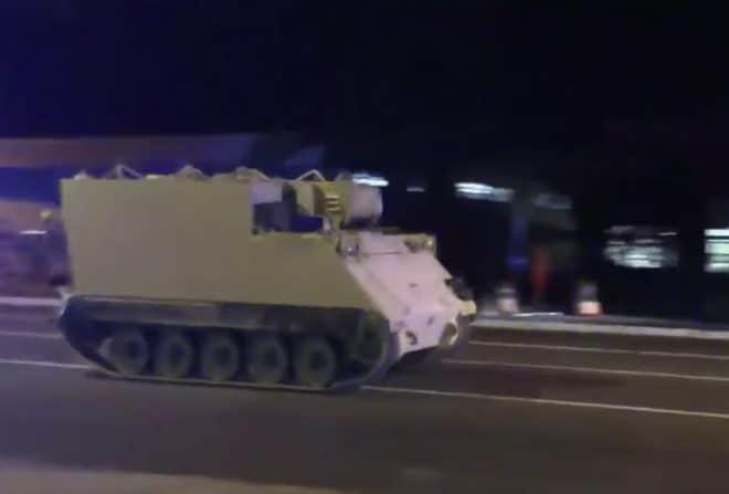 Le véhicule blindé volé, dans les rues de Richmond (5 juin 2018)