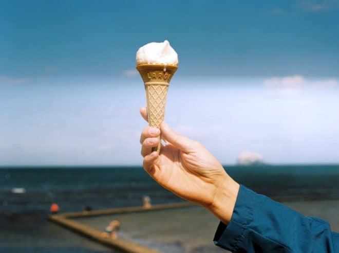 Une glace à la vanille. Image d'illustration.