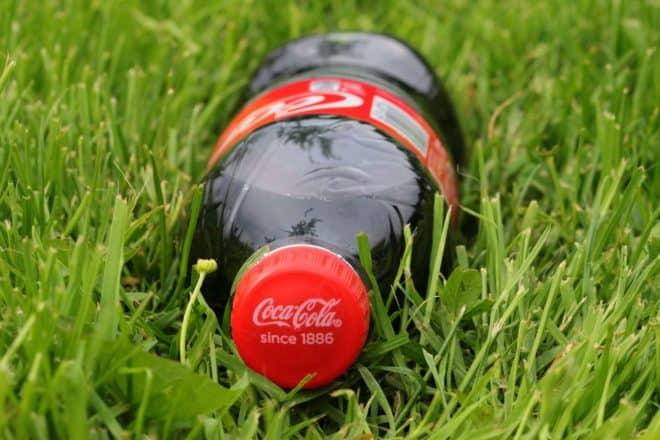 coca cola des bouteilles plus petites mais pas moins ch res. Black Bedroom Furniture Sets. Home Design Ideas