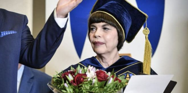 Mireille Mathieu récompensée en Russie en septembre 2018