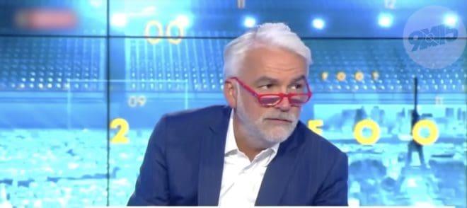 Pascal Praud sur le plateau de 20H FOOT sur Cnews