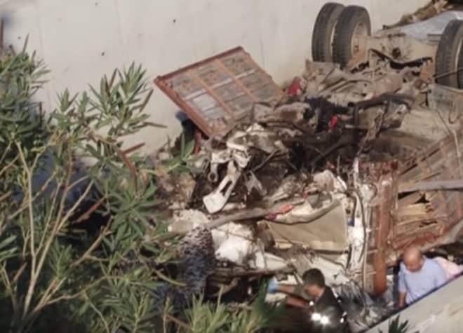Les lieux de l'accident de camion qui a coûté la vie à 22 migrants en Turquie le 14 octobre 2018.