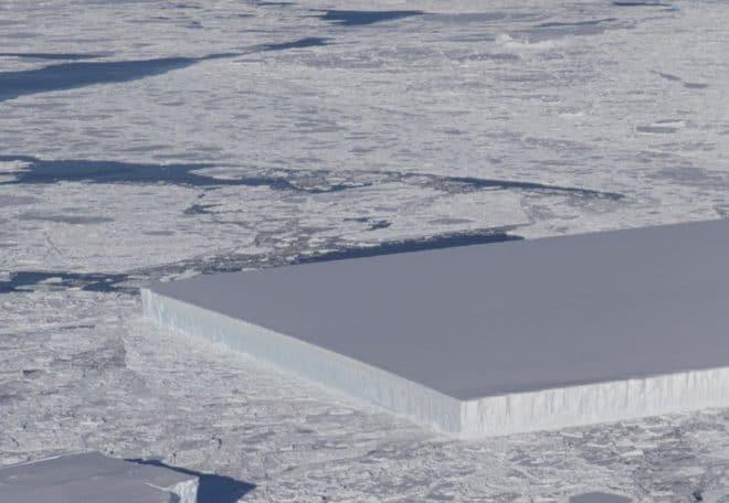 Cet iceberg aux formes rectangulaires est pourtant tout ce qu'il y a de plus naturel.