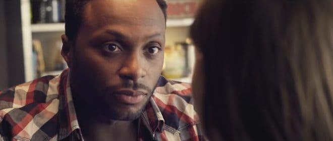 "Houcine dans son clip ""Je m'accroche"" (2014)"