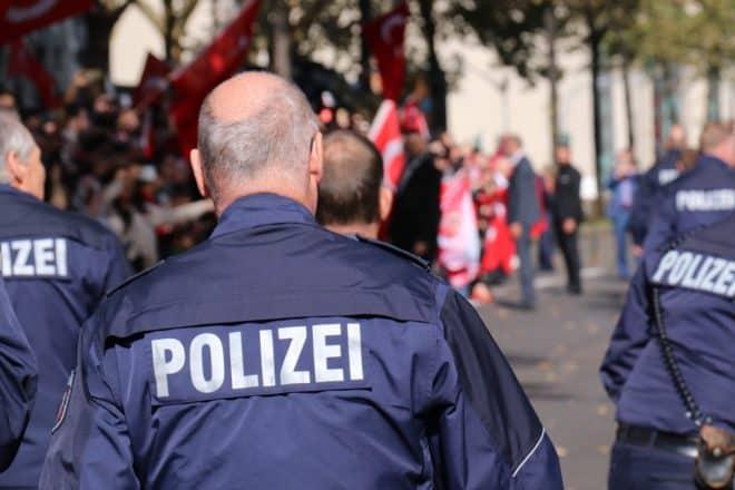 Illustration. Des policiers allemands.