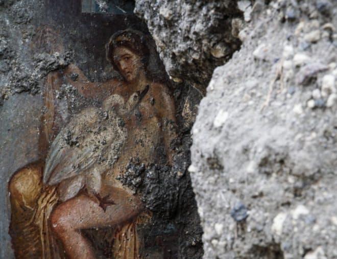 La fresque dépeignant les ébats de la reine de Sparte et Zeus, ayant pris la forme d'un cygne.