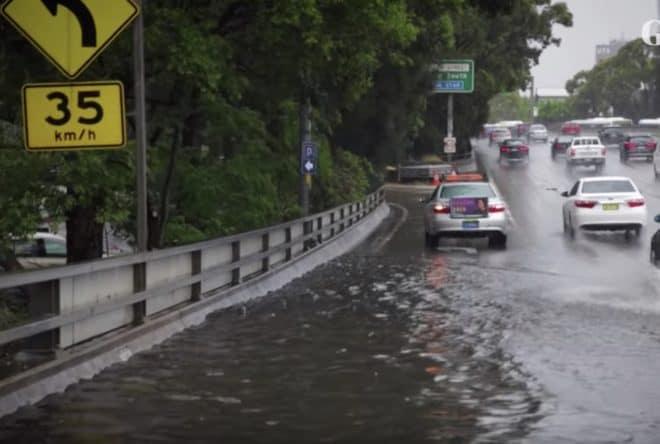 Une route de Sydney inondée, 28 novembre 2018.