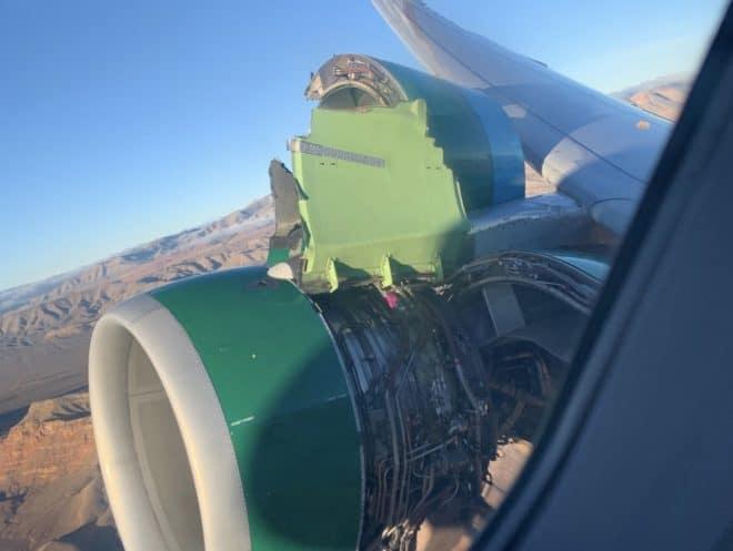 Le capot du réacteur d'un A320, 30 novembre 2018