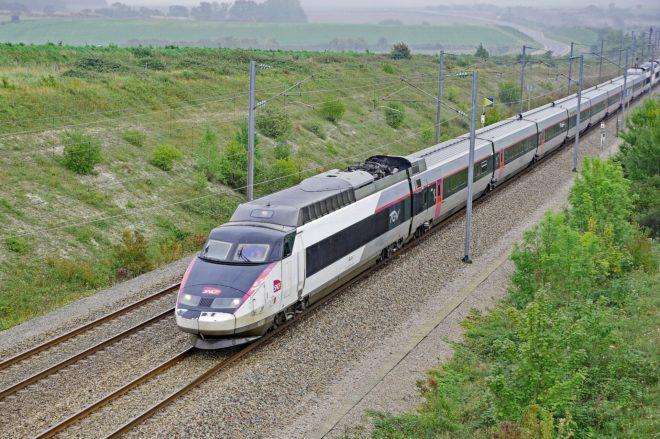 Illustration. Un TGV.