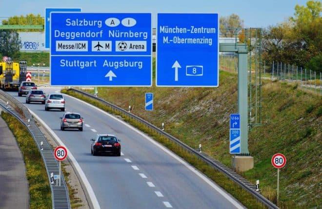 Illustration. Autoroute en Allemagne.