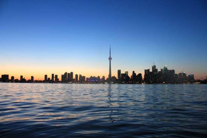 Illustration. Une vue de Toronto, au Canada.