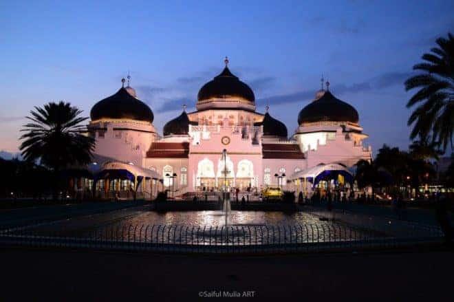 La mosquée de Bandah Aceh, en Indonésie.