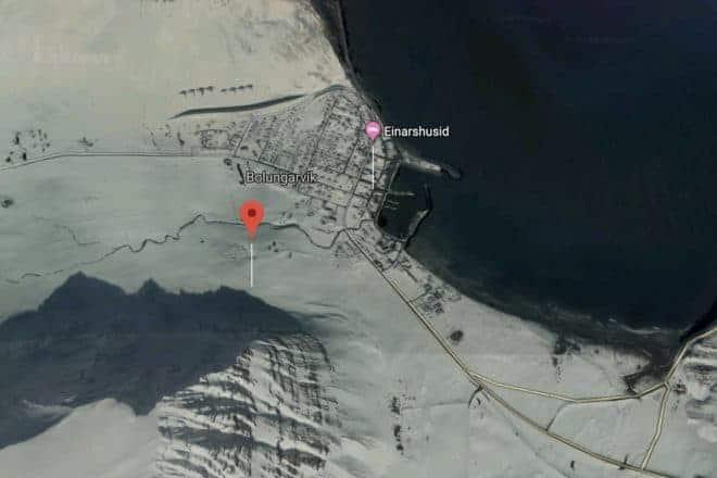 La photo satellite de la ville de Bolungarvik, en Islande.