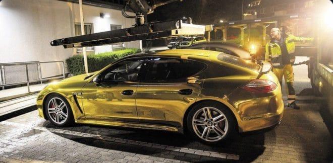 La Porsche dorée immobilisée par la police en Allemagne.