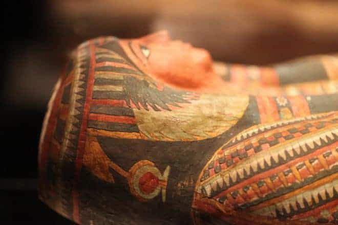Illustration. Un sarcophage de l'Egypte antique.