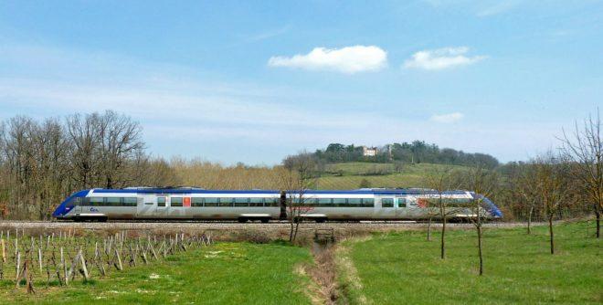 Illustration. Un train TER de la SNCF.